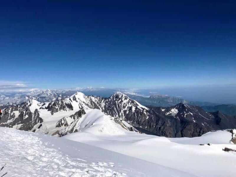 Панорама гор с вершины Казбека