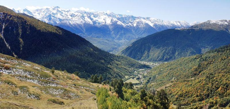 Вид с перевала в долину
