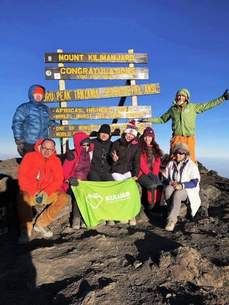 Група на вершині Кіліманджіро