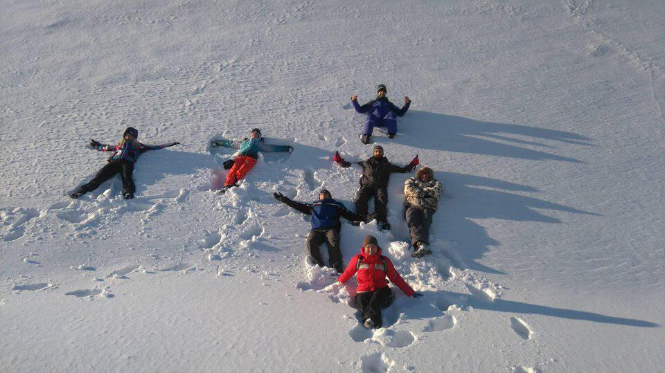 сугробы снега в Карпатах