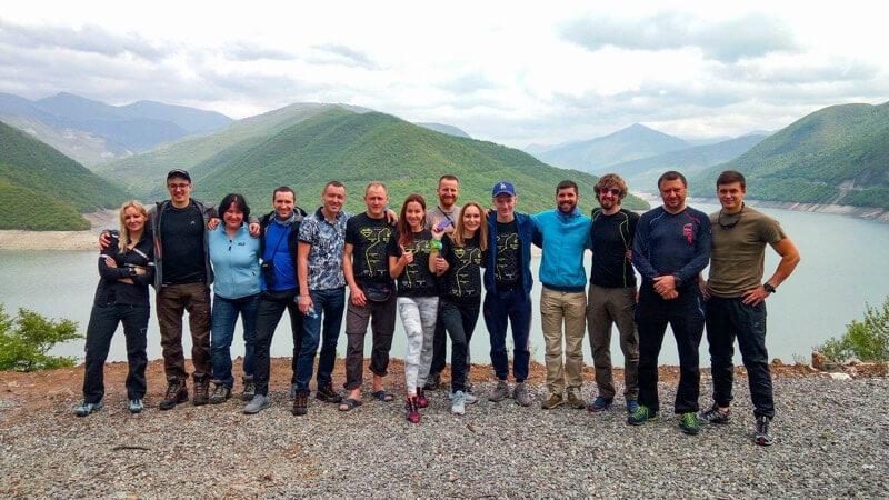 Туристы перед восхождением на Казбек