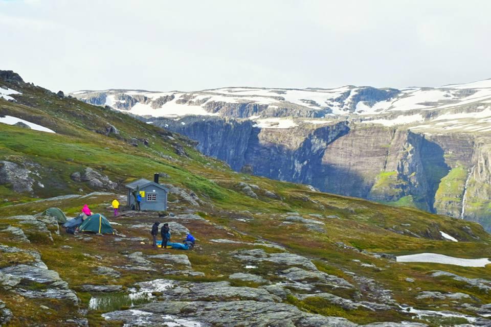 Туристы в норвежском кемпинге
