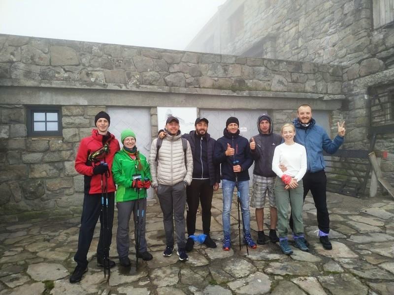 На вершине Поп Иван возле обсерватории