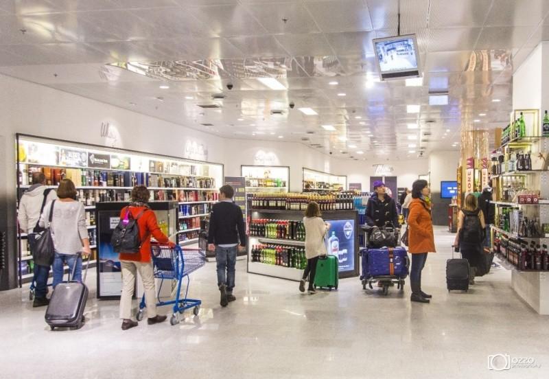 Дьюті Фрі в аеропорту Рейкьявіка