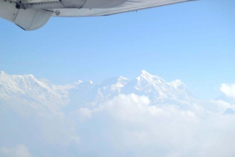 Вид с самолета на горы