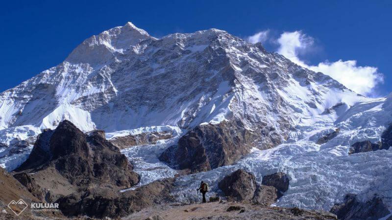 Макалу - огромная гора