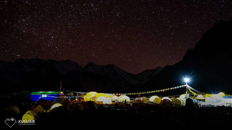 базовый лагерь Макалу ночью