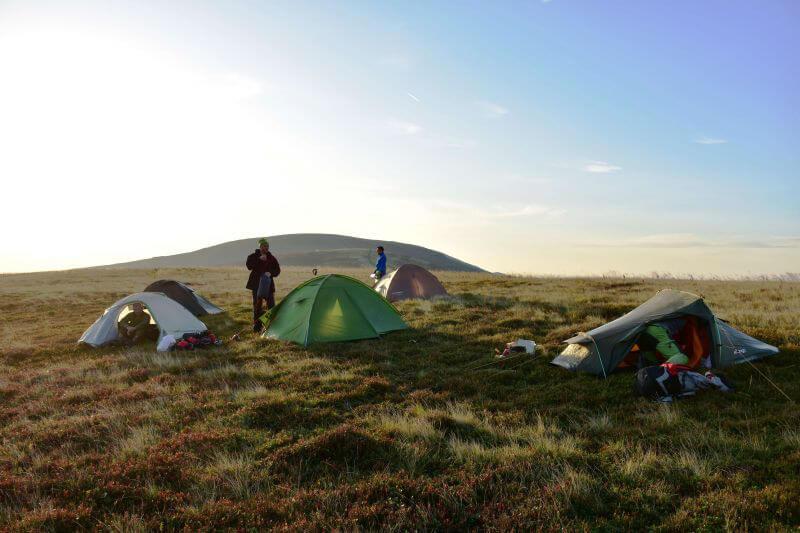 Солнечное утро в горах