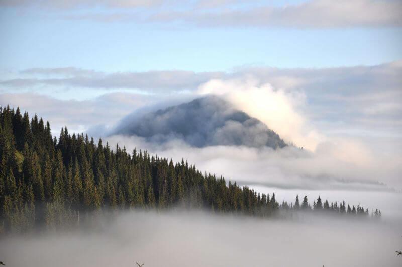 Гори серед хмар