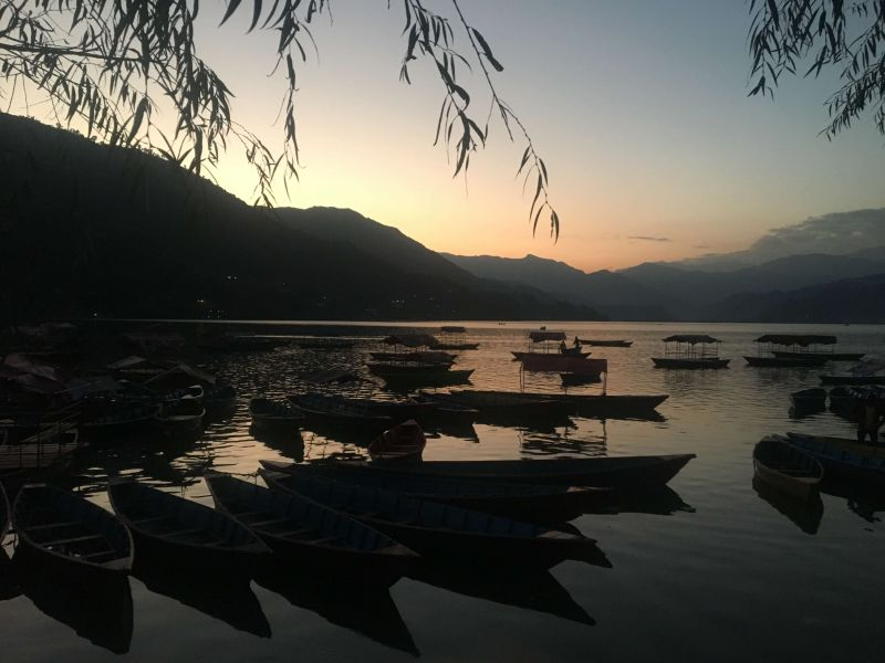 Отдых на озере Фева