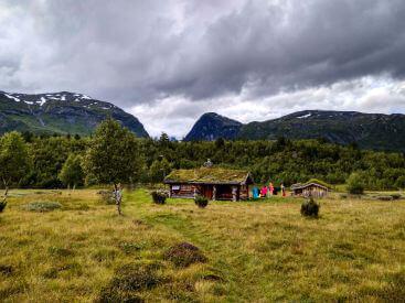 Туристический приют в горах Норвегии