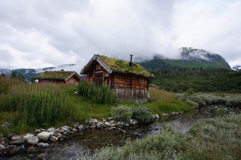 Традиционные норвежские домики-приюты