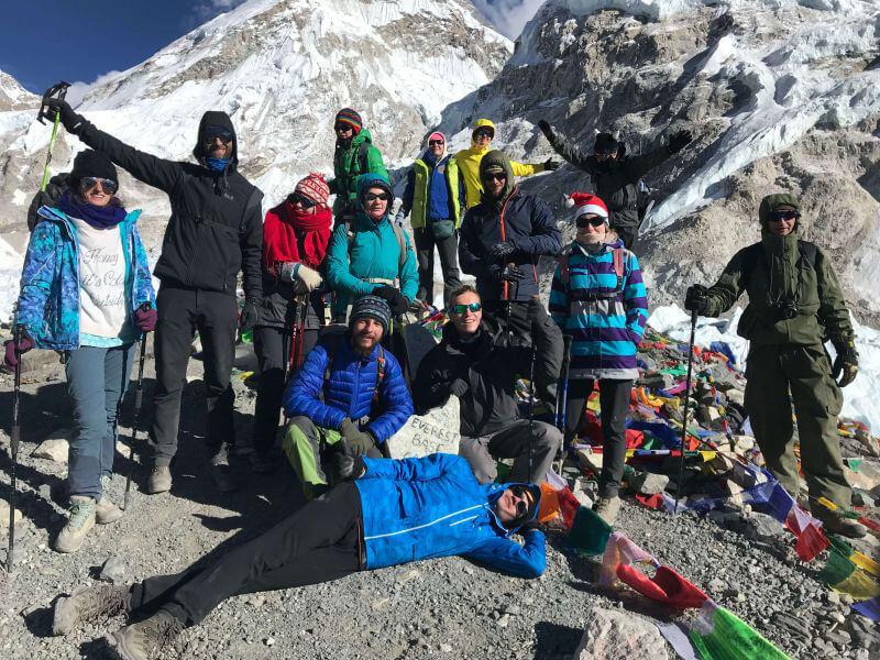 Наша группа в новогоднем трек к Эвересту