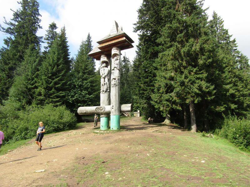 Монумент Синь и Вир