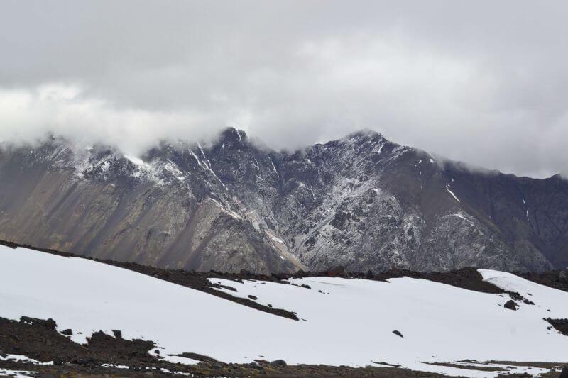 Горы остаются