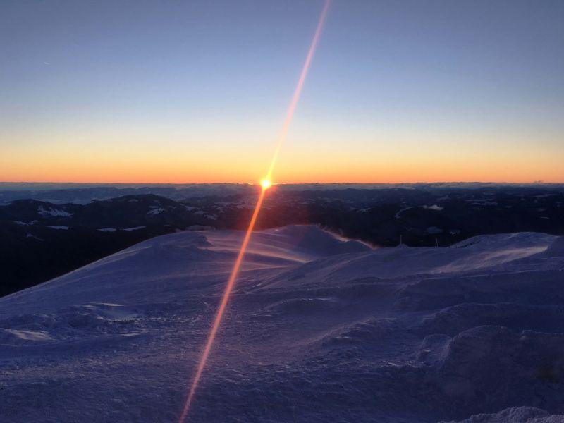 Схід сонця на вершині