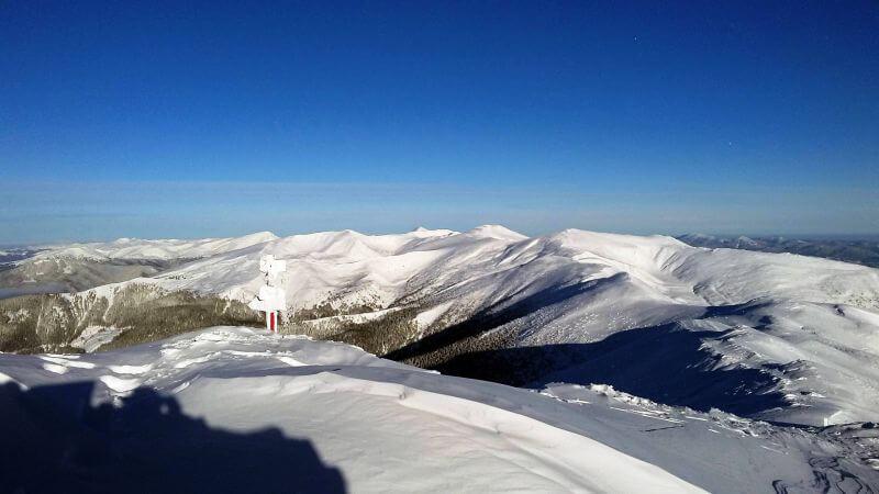 Панорама зимових Карпат