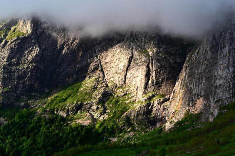 Дождевые облака в горах