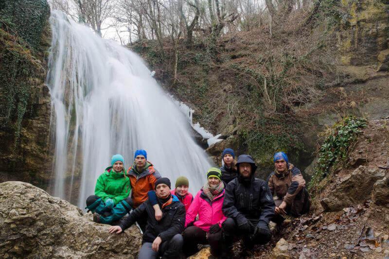Счастье возле водопада
