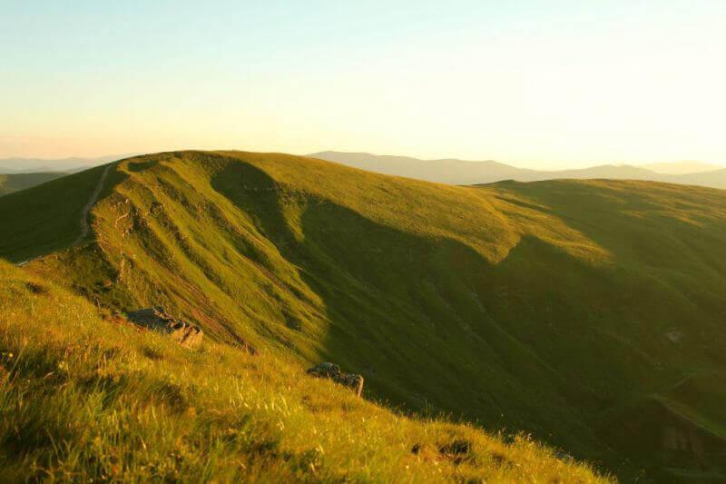 Горы в утреннем свете