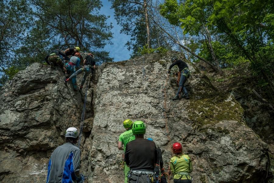 Школа альпинизма с клубом туристов Кулуар