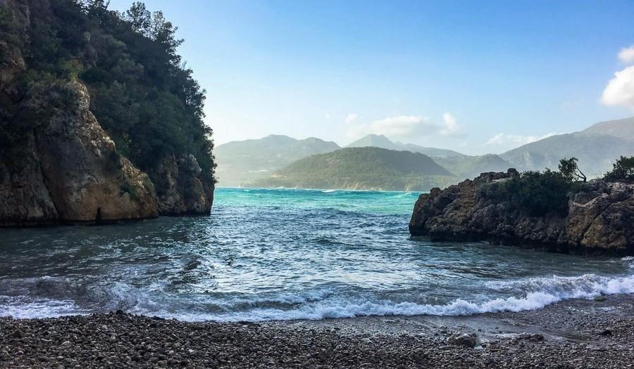 Дикий пляж в Турции