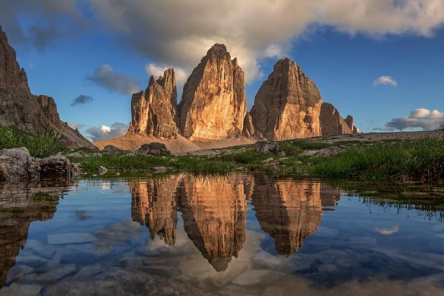 Вы увидите визитную карточку – Tre Cime Di Lavaredo, налюбуетесь горными озерами, попробуете тирольскую кухню и побываете в самом сердце Итальянского туризма и альпинизма.  Смотрите подробнее: