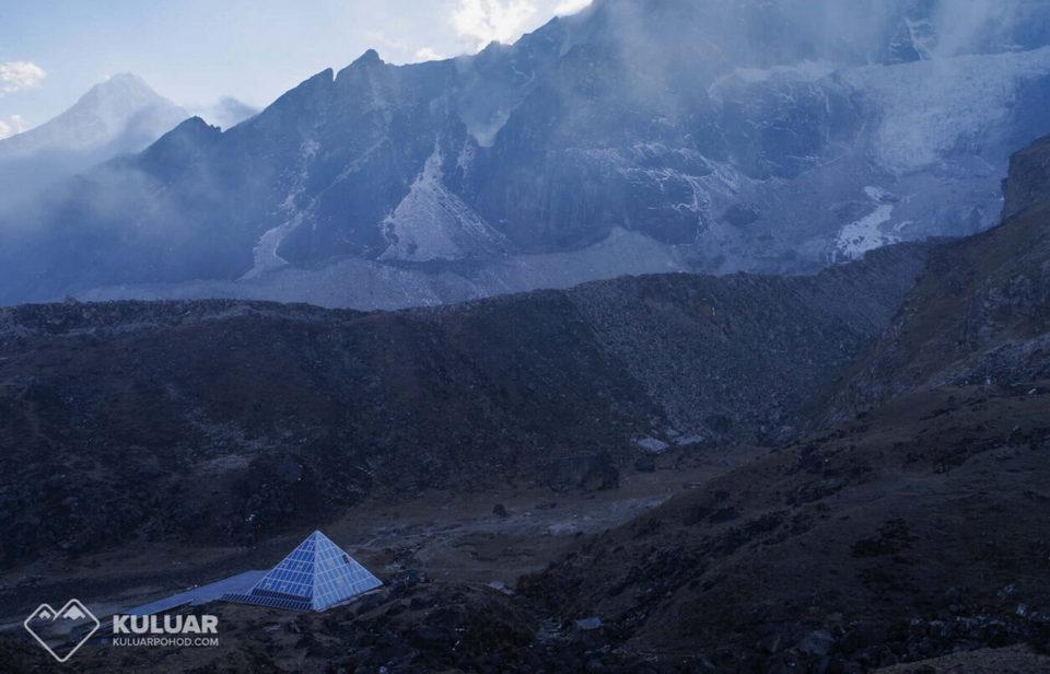 Отель Пирамида Эверест