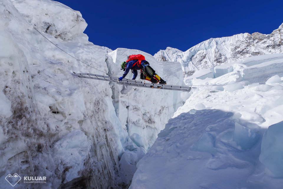 Восхождение на Эверест и Лхоцзе 2021